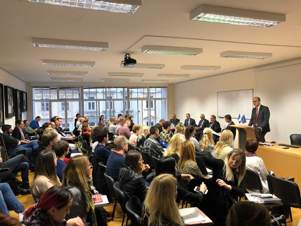 Akademski forum ob 25-letnici uveljavitve EVropske konvencije o varstvu človekovih pravic v Sloveniji.
